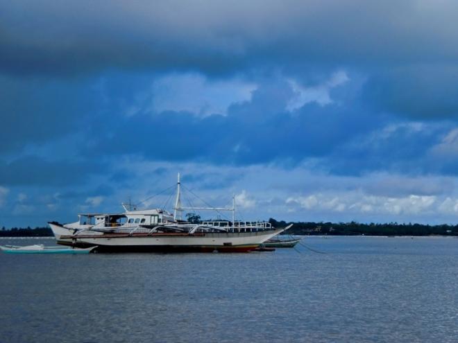 A boat in the quiet sea